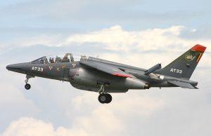 1200px-Dassault_Alpha_Jet_1B+_AT33_(5934452263)