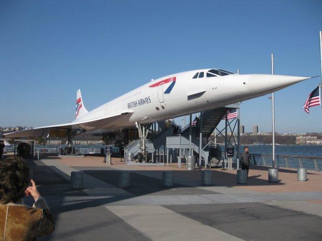 G-BOAD е напълно запазен и изложен от 2009-а на самолетоносача Интрепид в Ню Йорк - музей на американските ВВС.