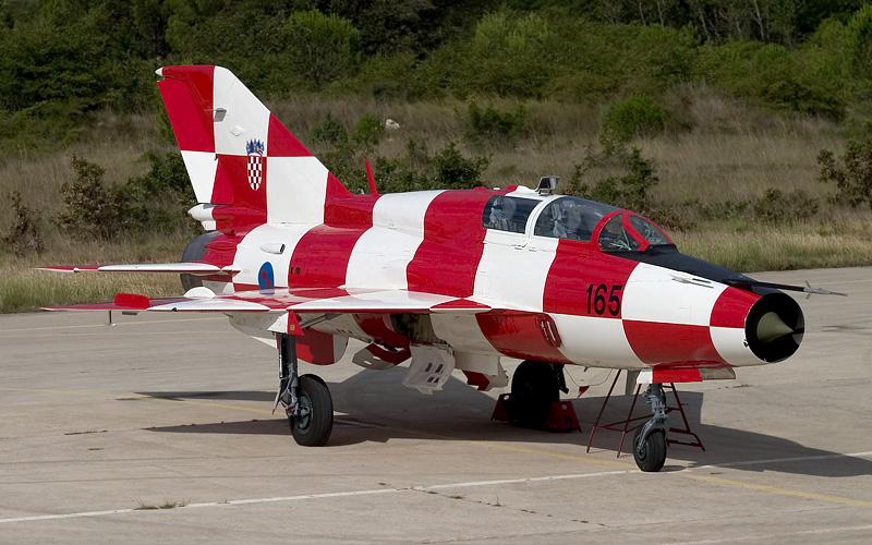 Хърватски Миг-21УМД в специална окраска