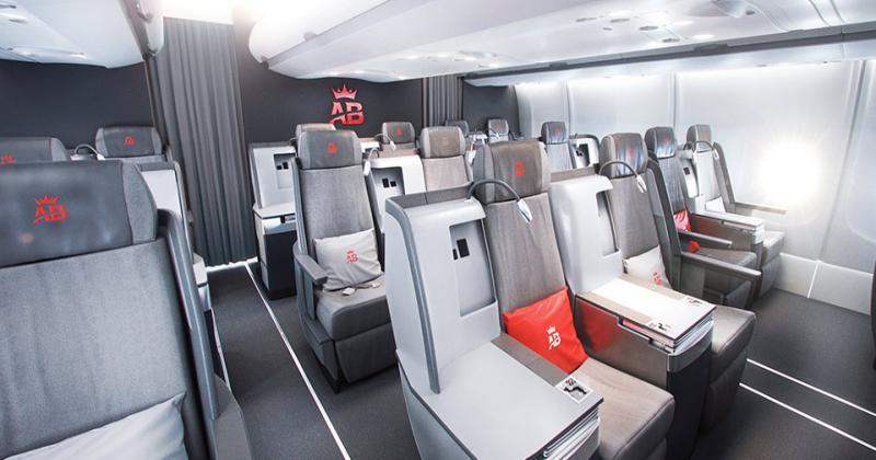 Избраният маршрут е с високо бизнес затоварване, което напълно оправдава наличието на бизнес класа на борда на иначе low-cost авиокомпанията