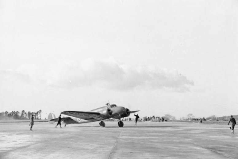 Самолетът Lockheed L-10A Electra, с който излита Амелия