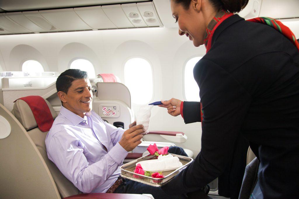 Напълно обновената бизнес класа на Royal Air Maroc на борда на флагманите Боинг 787