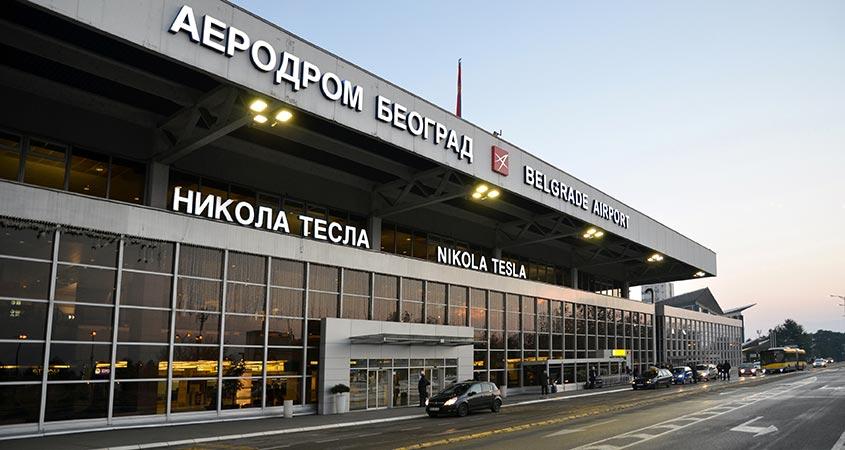 През 2018 Летище Белград приема над 5 640 000 пътници и 58 859 самолетодвижения, отбелязвайки ръст с около 5.4% спрямо предходната година. VINCI Airports възнамерява да увеличи трафика до над 8 милиона годишно до 2024