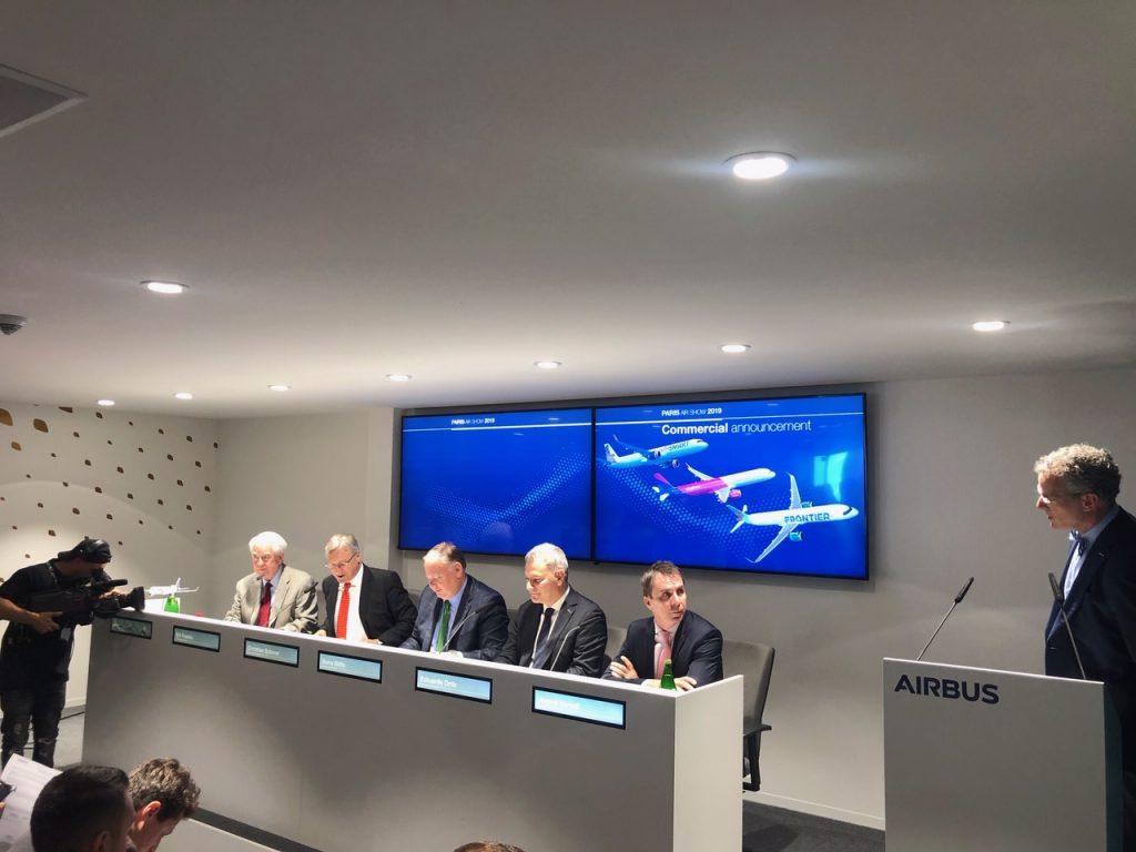 Обявяването на сделката във втория ден от авиосалона в Париж 2019