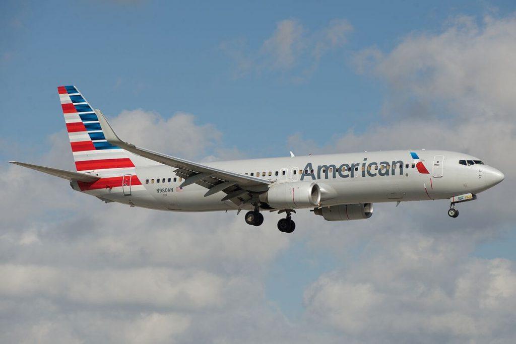 american_airlines_boeing_737-800_n980an_(16422912861)