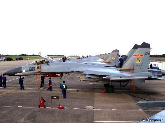 Част от втората доставка на китайските Су-35