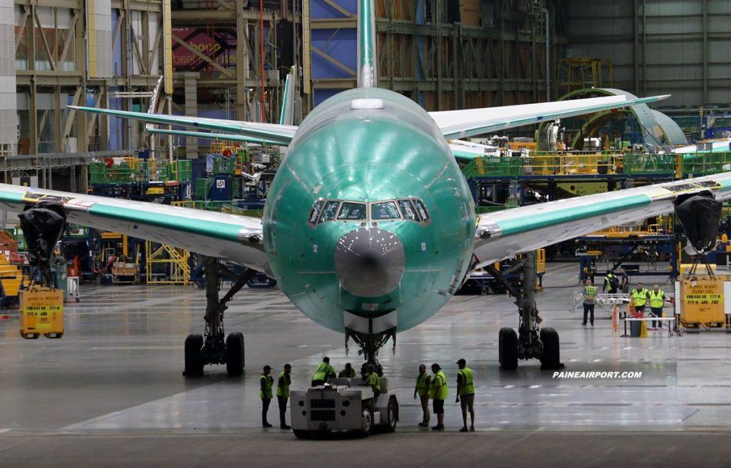 Първият Boeing 777-9 за Emirates на производствената линия