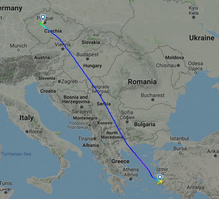 Маршрутът на полета преминава над териториите на Гърция, Македония, Сърбия, Унгария и Австрия, преди да стигне до Чехия.