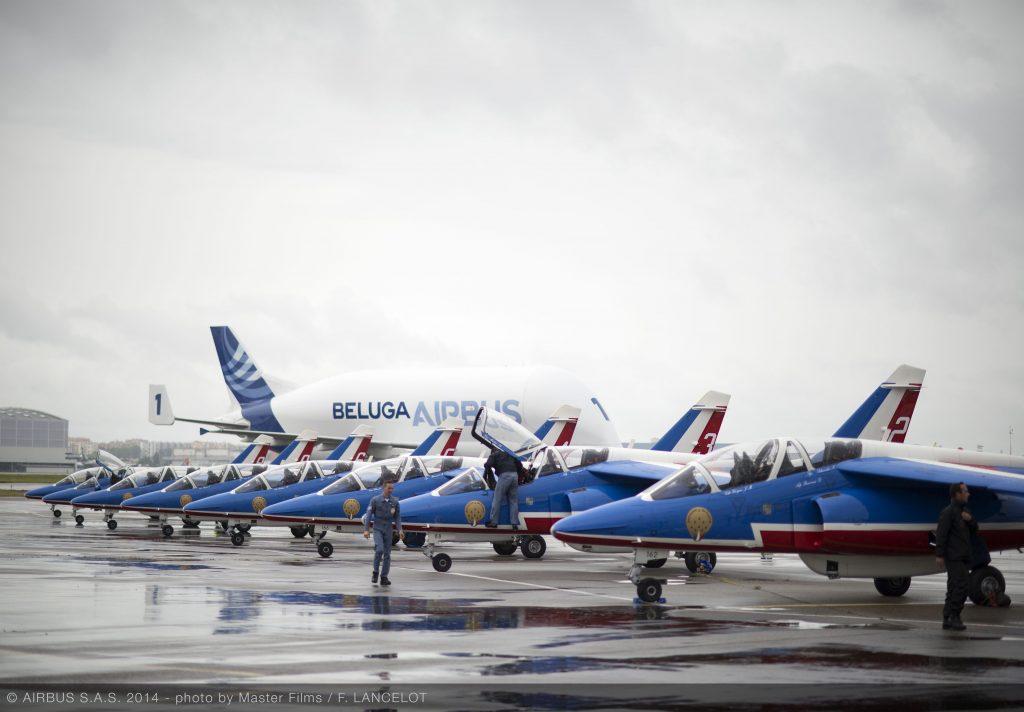 Beluga XL с Patrouille de France. Снимка: Airbus