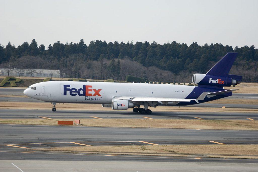 FedEx е сред малкото останали оператори на класическия тримоторен и конвертиран в карго MD-11F. Авиокомпанията оперира с огромно разнообразие от модели, сред които Boeing 777, 767, 757, 737 и дори 727, A300, A310 и A330F