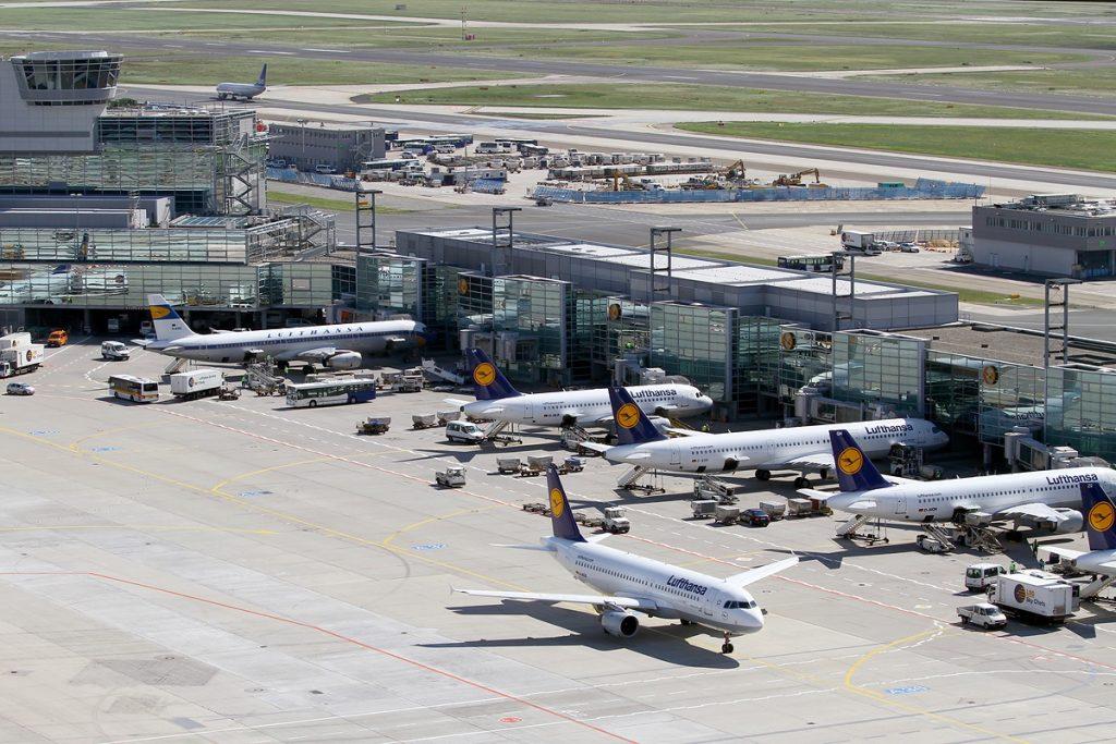 Операциите на основния хъб на Луфтханза във Франкфурт спаднаха с 88%