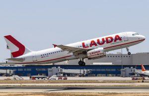 Laudamotion A320 в домашната база на авиокомпанията във Виена