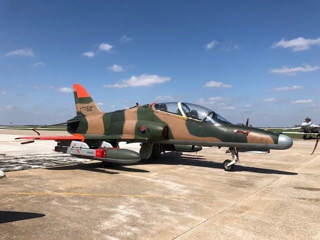 BAe Hawk оборудван с AESA ELM-2052 радар и ЕL-8222
