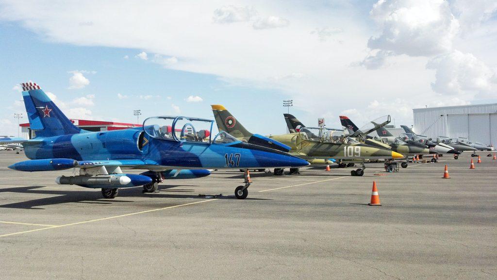 Уникална колекция от оборудвани с въоръжение за електронно нападение и отбрана L-39 Albatross