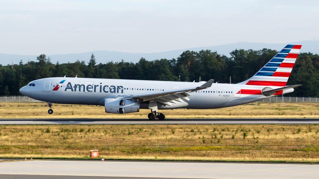 Airbus A330-300 е в American в наследство от сливането с US Airways през 2013, където е наличен от 2000-та