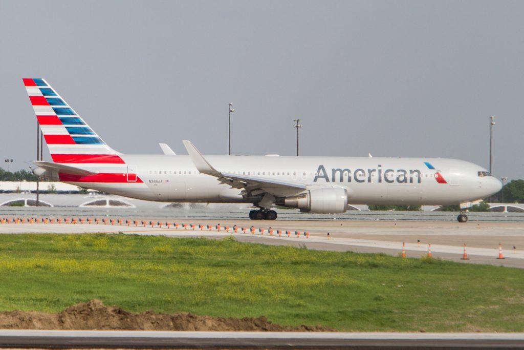 Boeing 767-300ER е в авиокомпанията от 1988, като първоначално превозвачът оперира и моделите -200 -300 и -200ER