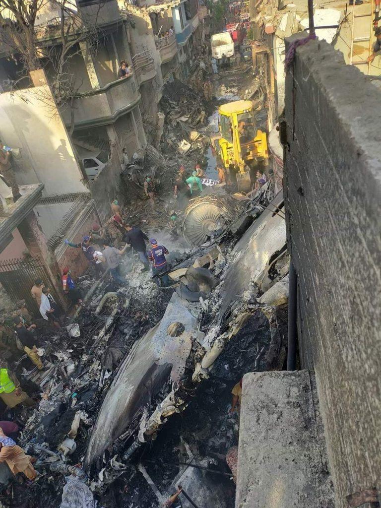 Общо 5 жилищни сгради са с отнесени покриви и горни етажи при катастрофата
