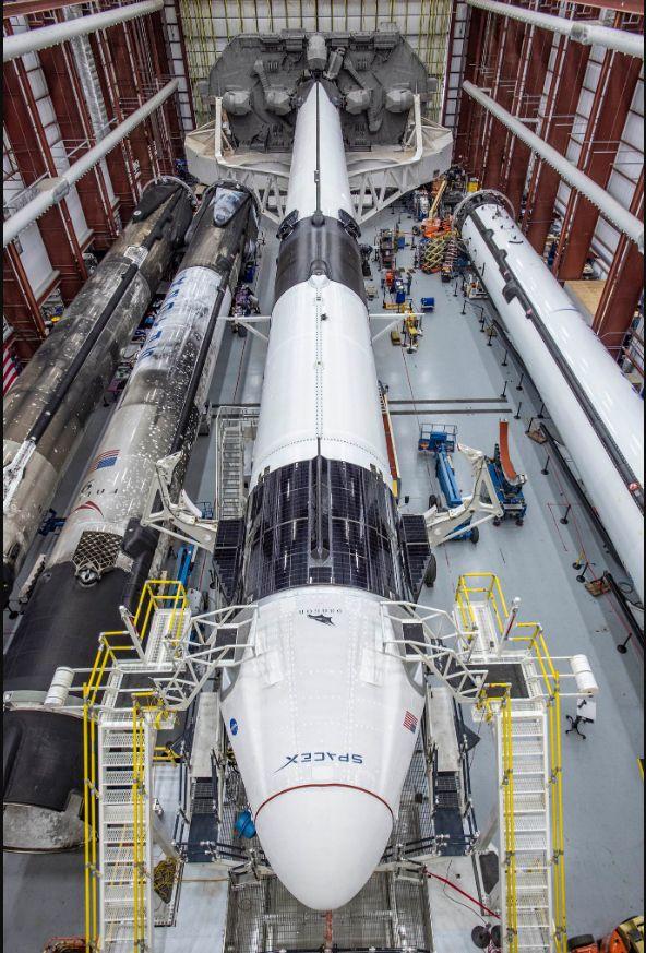 Това е първата мисията на частната компания SpaceX с астронавти на борда и до голяма степен определяща за бъдещото публично-частно партньорство в мисиите на НАСА