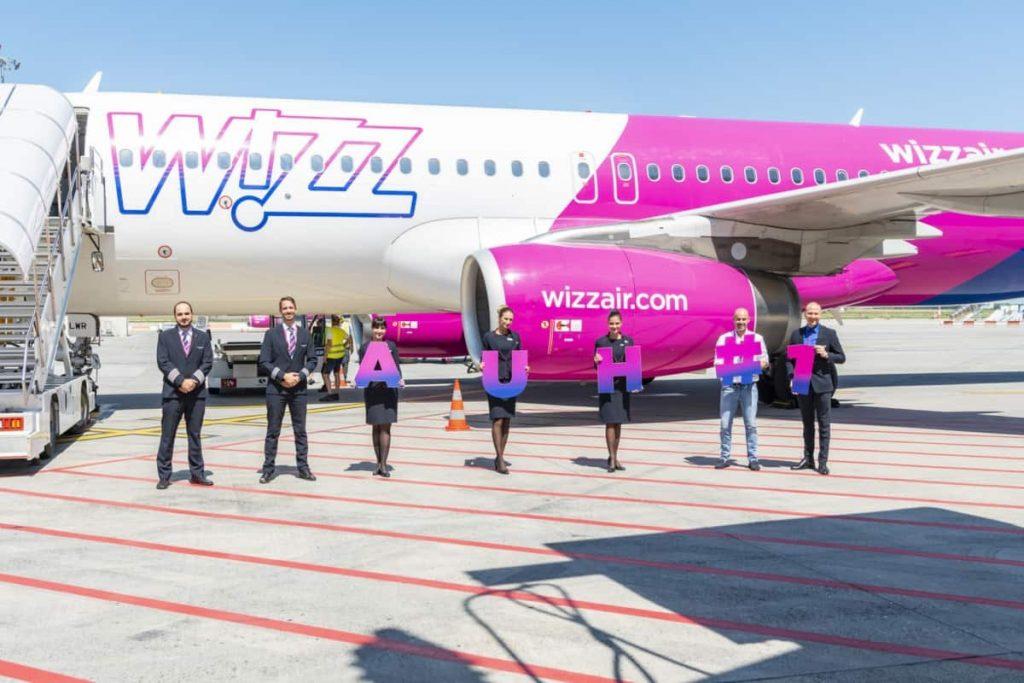 Откриването на новата дъщерна компания Wizz Abu Dhabi и новата база на летището там.
