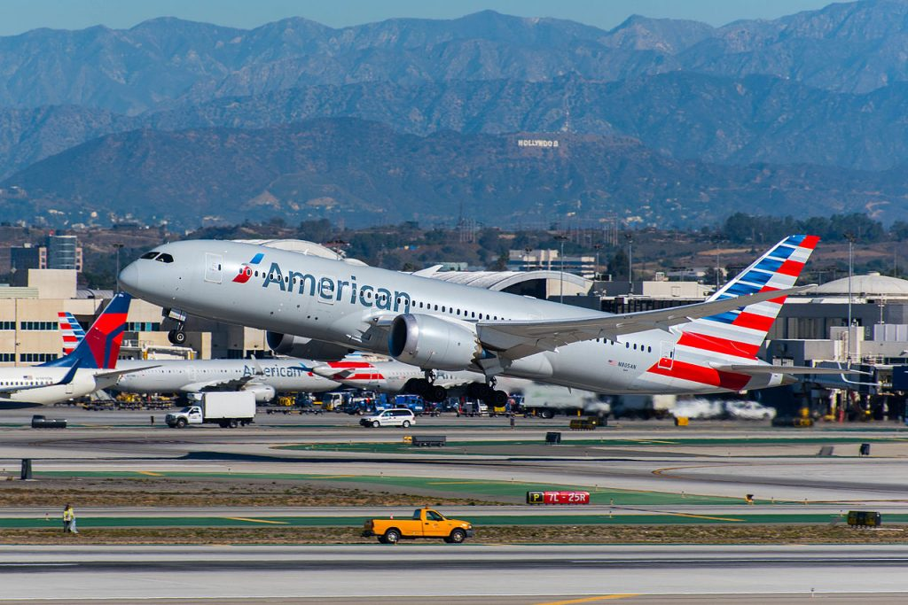 American_Airlines_Boeing_787-8_Dreamliner_(N805AN)_at_LAX_(22922365062)
