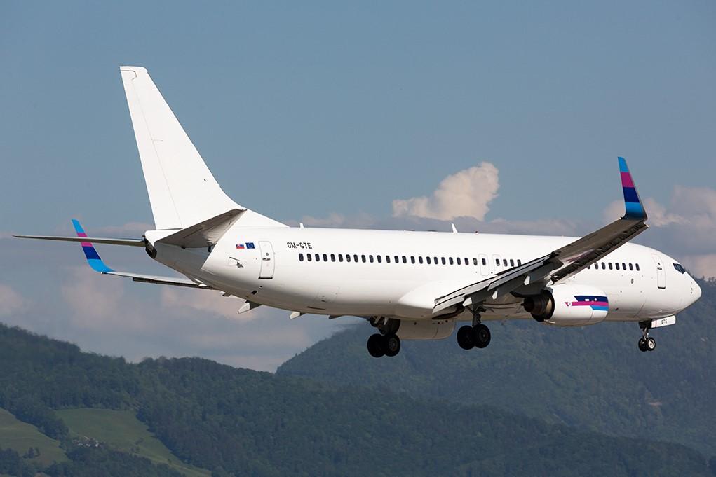 Първият Boeing 737-800 на Go2Sky, която до 2018 оперира с четири класици Боинг 737-400